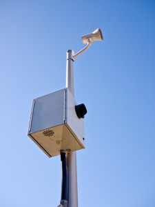 Studies reporting that the use of red light cameras at intersections increases the incidence of rear-end collisions have led to the call to ban these cameras in Colorado.